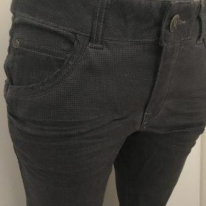 Eng geschnittene Hose