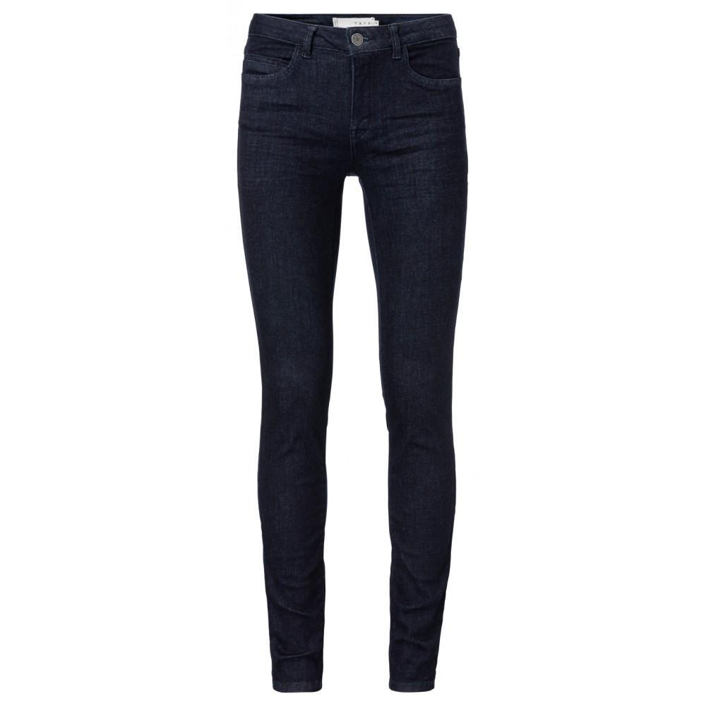 skinny-jeans-mit-stretchanteil