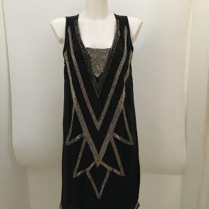 Festliches Kleid mit Perlenbesatz