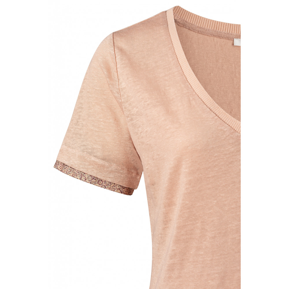 v-neck-tee-with-printed-cuffs-3
