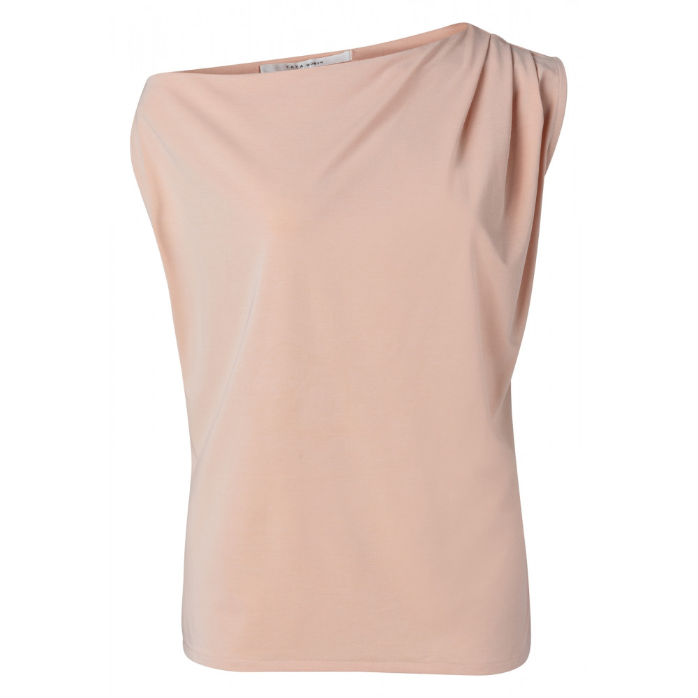 asymmetric-top-with-pleast-at-shoulder