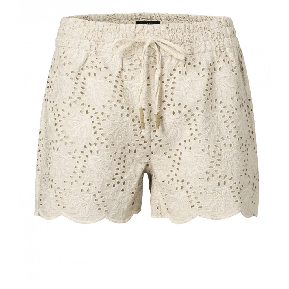 shorts-mit-broderie-anglaise