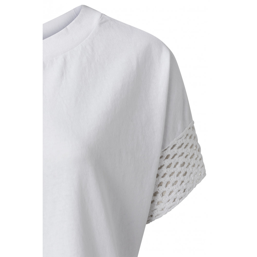 crew-neck-top-with-corchet-at-sleeve-edge-2