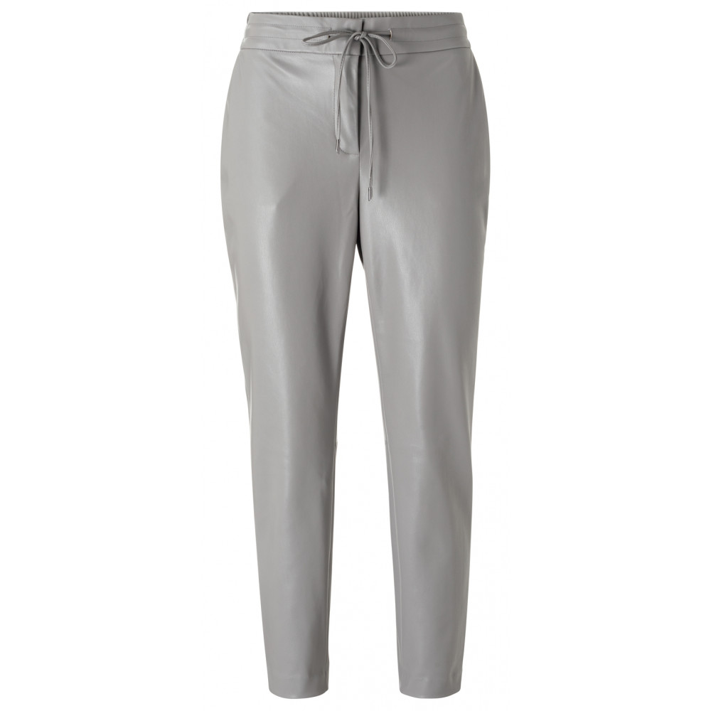 faux-leather-relaxed-trousers-2