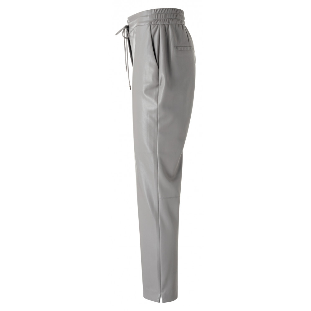faux-leather-relaxed-trousers